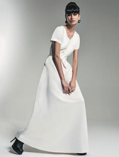 Sim, a coleção de Alexandre Herchcovitch pra C&A vai trazer até um vestido de noiva! É esse da foto, e ele vai custar R$ 299
