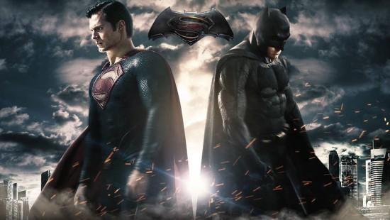 """Ansioso pra ver """"Batman vs Superman: A Origem da Justiça"""" ? Vem ver os looks antigos dos heróis pra entrar no clima"""