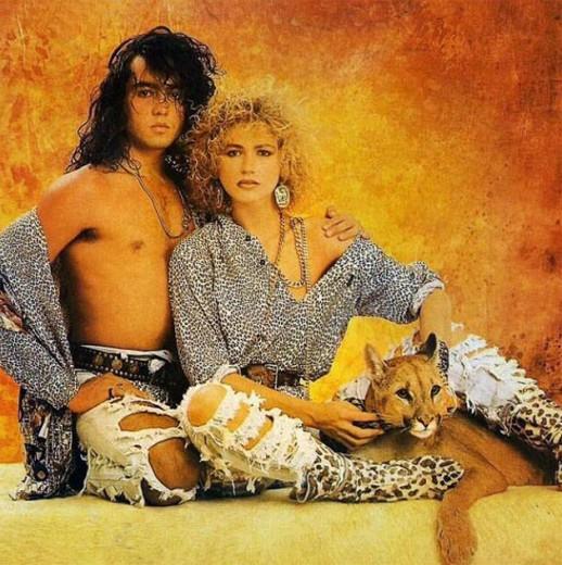 Xuxa com look Yes Brazil e o modelo Firmino (e um filhote de leão da montanha!) diretamente dos anos 80, em clique do fotógrafo Frederico Mendes