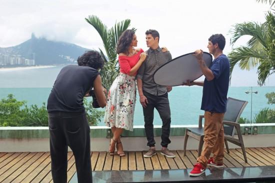 Clica pra ver o making of das fotos do casal Débora Nascimento e José Loreto pra Malwee!