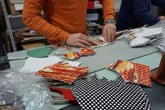 Vem conhecer mais da Cartina, a empresa italiana que cria tecido com papel reciclado - clica na foto!