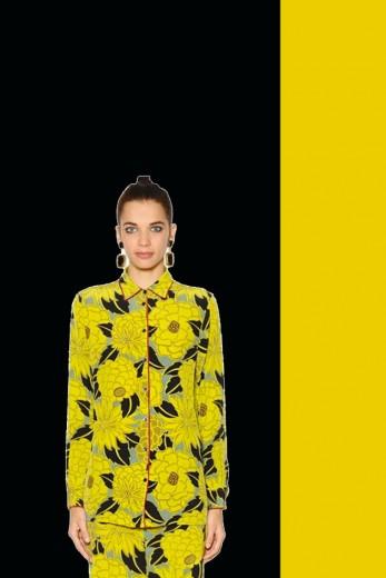 Amarelona da Etro (R$ 1.993, à venda na Luisa Via Roma). Clica pra ver mais!