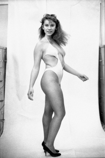 """""""Modelo Shirleny"""", que Zingg fotografou pro NP quando trabalhou no veículo, em 1986. Clica pra ver mais"""