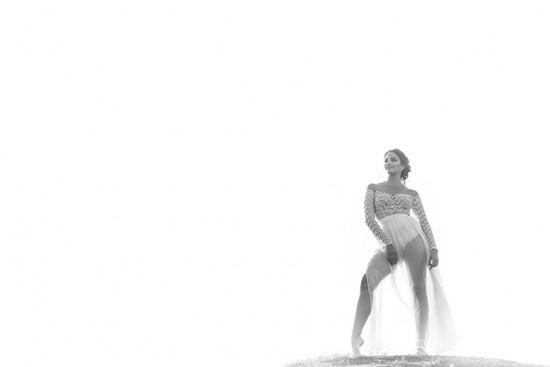 Nesse clique dá pra ver bem o body por baixo da saia! Vem conhecer mais do trabalho da Ana França Alta Costura