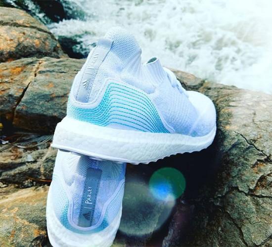647980a128 Adidas cria tênis e uniformes com plástico retirado do mar - Lilian Pacce