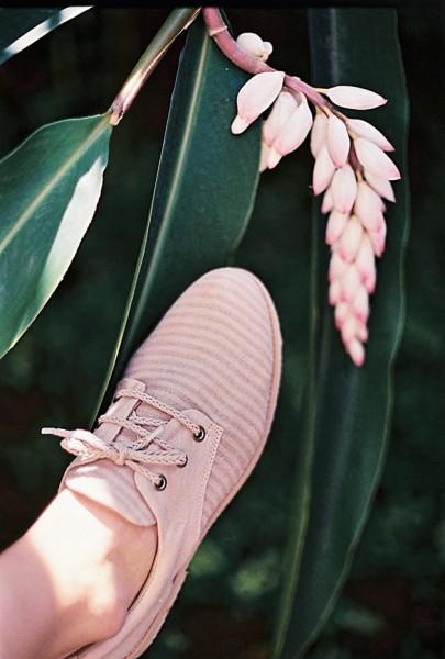 081116-flavia-aranha-insecta-shoes-2