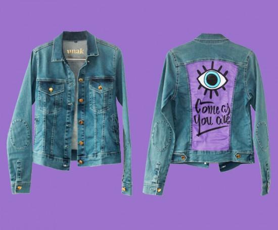Olha só essa jaqueta da Unak Jeans com ilustração da Juliana Ali, que vai ser leiloada! Clica pra ver a outra