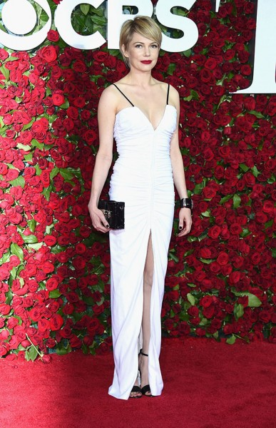 191216-tapete-vermelho-michelle-williams-tony-awards-2016-01