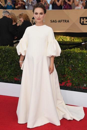 Natalie Portman gravidíssima de Dior - vem ver mais!