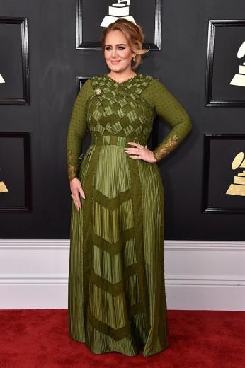 Adele de Givenchy - será que ele ainda foi criado por Riccardo Tisci antes dele sair da marca?