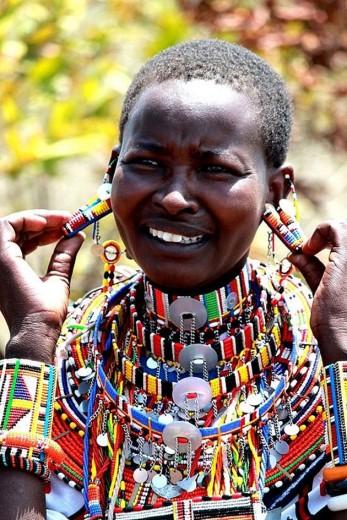 Polêmicas em torno da tribo Masai - eles desejam os direitos de propriedade intelectual pelo contínuo uso de referências da tribo pelas grifes de moda. Clica pra ver os casos!