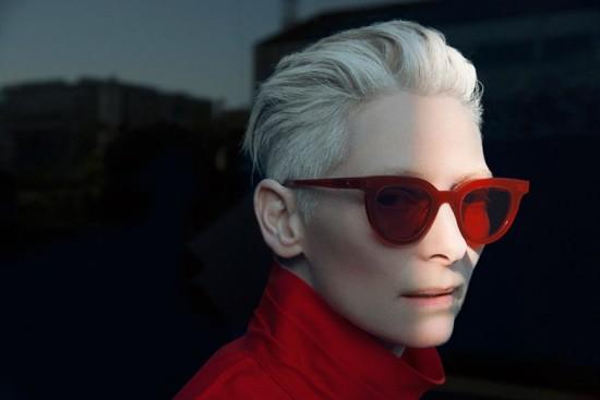 4da7190920790 Tilda Swinton faz parceria com marca de óculos coreana - Lilian Pacce