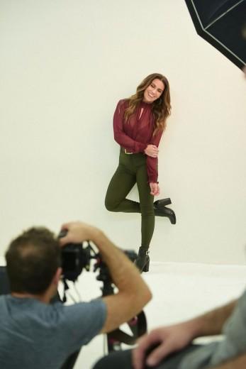 Giovanna Antonelli estrela a campanha de outono-inverno 2017 da Zattini - clica pra ver o making of!