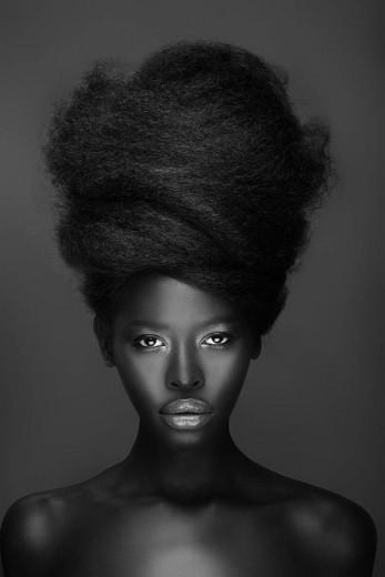 Um panorama geral sobre o mercado de beleza negra - clica na foto pra ver produtos de algumas marcas!