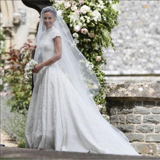 Pippa Middleton, irmã da duquesa de Cambridge, Kate Middleton, se casou na manhã desse sábado - vem conferir os looks clicando na galeria!