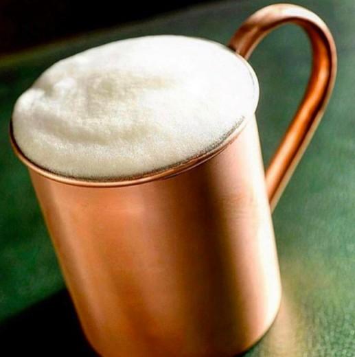 O Moscow Mule do Brown Sugar (R$ 25) é um dos mais famosos de SP, assinado por Marcelo Serrano! Clica pra ver mais