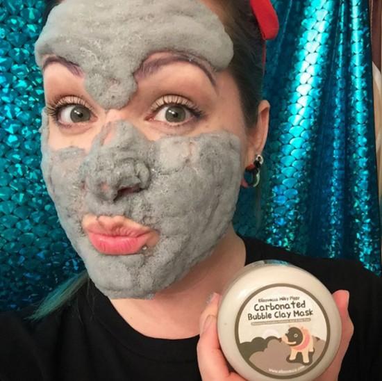 Você vai dar muitas risadas enquanto trata sua pele - vem ver mais da Carbonated Bubble Clay!