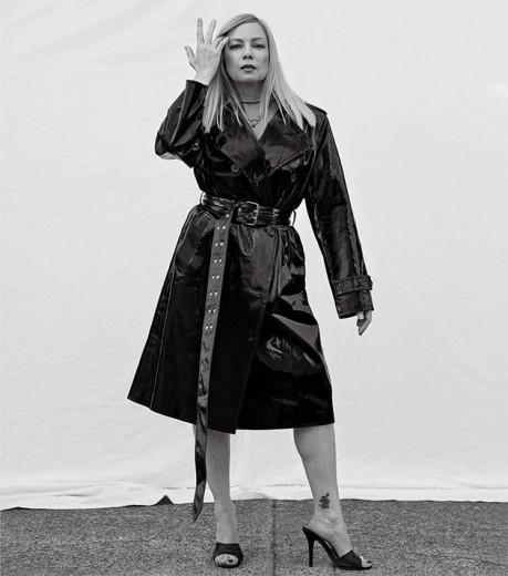 Traci Lords, ex-atriz pornográfica, é uma das novas musas da Helmut Lang