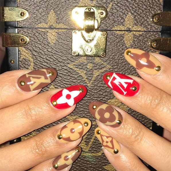 070717-nail-art-marcas-07
