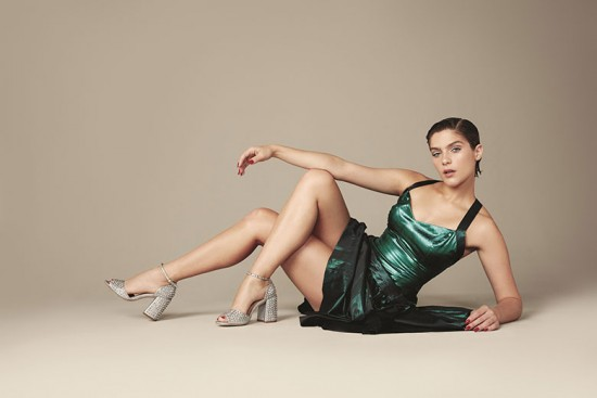 Isabella Santoni linda na campanha nova da Luiza Barcelos
