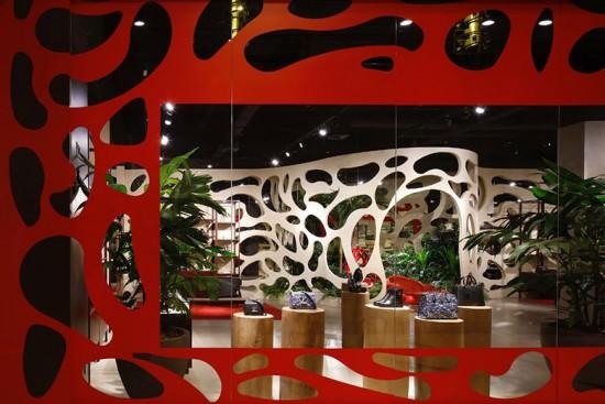 A Louis Vuitton inaugurou a pop-up store de Recife e na próxima semana tem uma em Goiânia - vem ver mais!