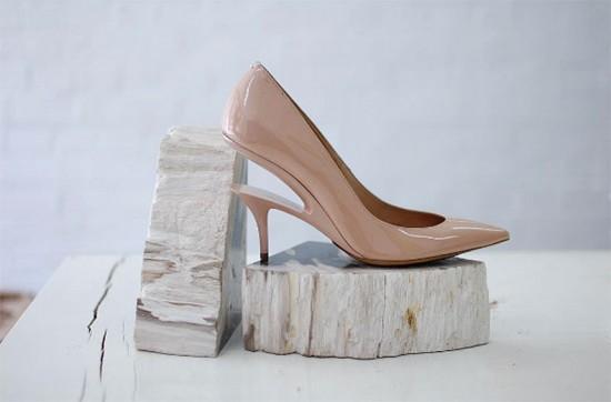 Aqui está o novo modelo de salto da Margiela, o ghost heel!