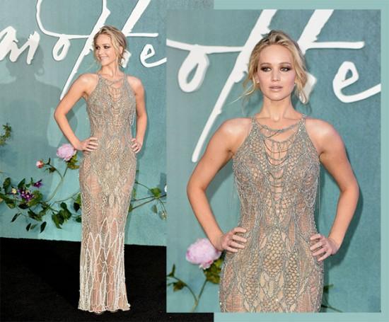 Jennifer Lawrence musa de Atelier Versace brilhante - clica na foto pra ver mais!