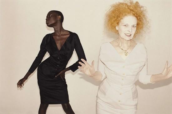 Imagens da parceria entre Vivienne Westwood e o fotógrafo Juergen Teller estão expostas na loja da marca em NY