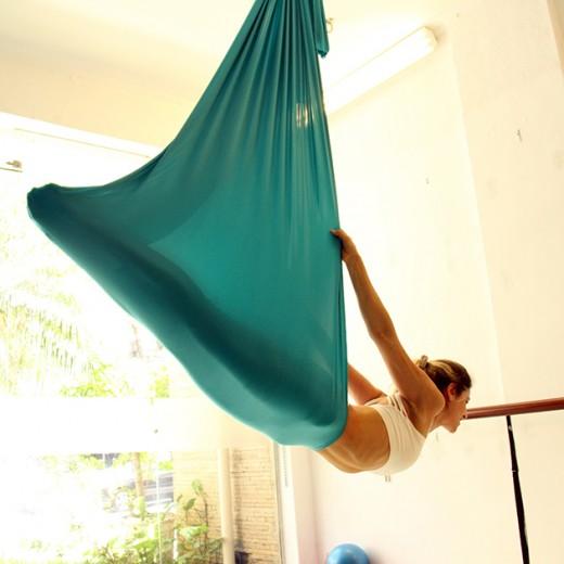 O balé fly combina acrobacias de circo e passos de dança!