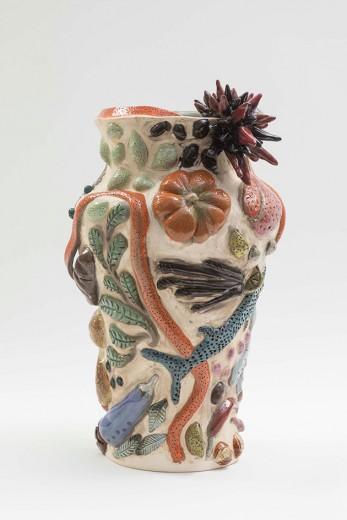 A cerâmica moderna de Paula Juchem em exposição - vem ver mais!