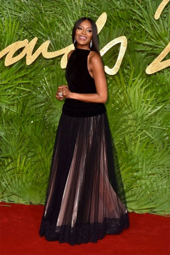 Naomi Campbell de Azzedine Alaïa - clica na foto pra ver mais!