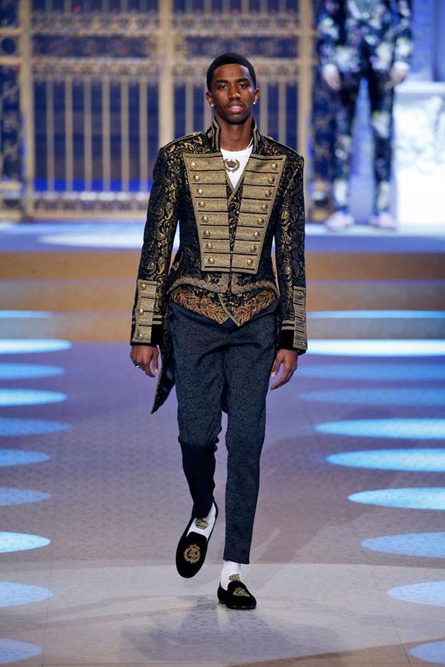 Dolce   Gabbana traz Maluma pro seu desfile de inverno 1aaabd38dbd