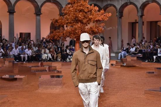 Desfile de Ermenegildo Zegna de primavera-verão 2018 - a marca vai abrir a Semana de Moda Masculina de Milão