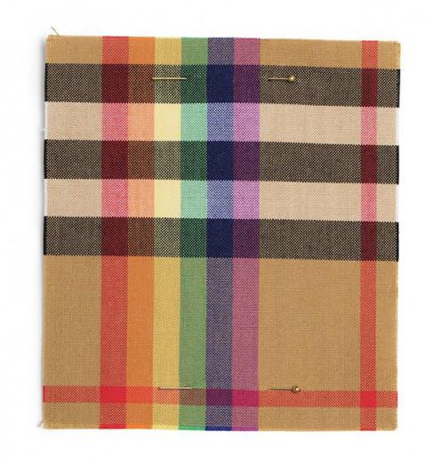 Esse é o Rainbow Check, xadrez com arco-íris que simboliza a causa LGBTQ+ e que deve estar na próxima coleção da Burberry, a última de Christopher Bailey