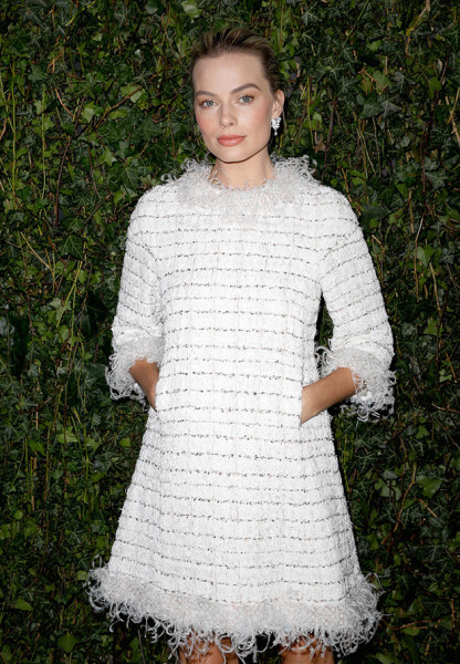 190218-Margot-ROBBIE_CHANEL-CHARLES-FINCH-PRE-BAFTA-DINNER_February-17th-2018