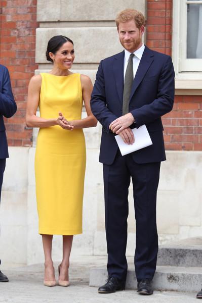 310718-vestido-amarelo-17