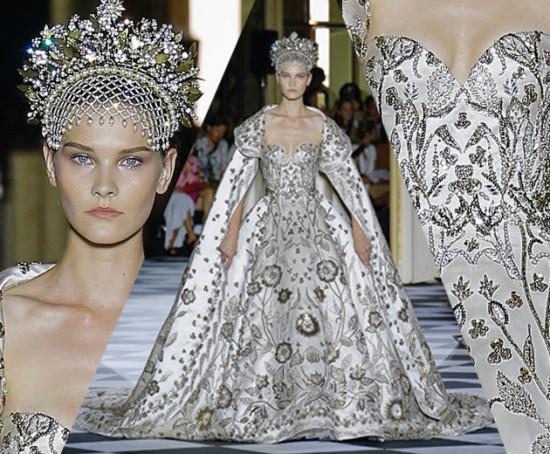 A noiva de Zuhair Murad é uma verdadeira princesa, né? Com direito a tiara e tudo - vem ver mais!