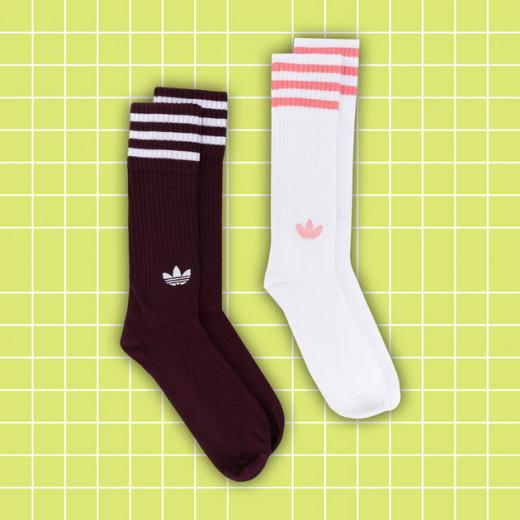 """Vamos começar com uma que fica bem pra todos estilos: Adidas! <a href=""""https://rstyle.me/~aAkP5"""" target=""""_blank"""">Compre aqui por R$ 120</a>"""