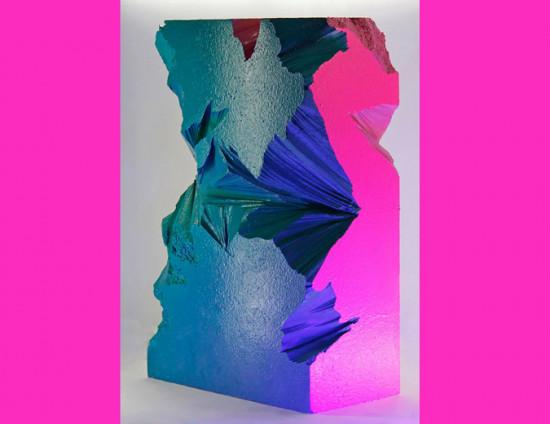 Essa escultura policromática de João Gg vai estar por lá - vem ver mais!