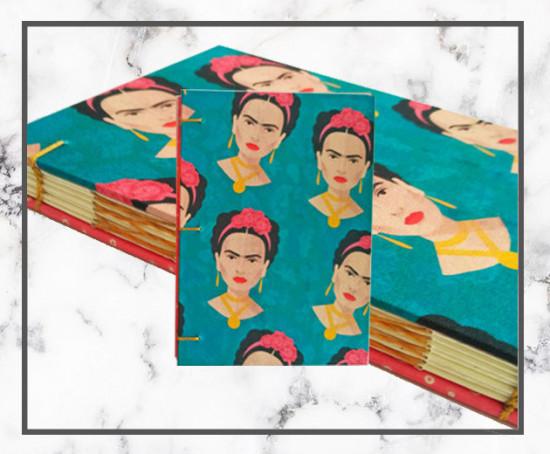 Caderno feito artesanalmente, superfofo, com estampa de Frida Kahlo da Preteliê (R$ 47) - na galeria tem muito mais, é só clicar!