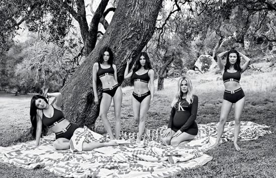 Kylie Jenner, Kendall Jenner, Kim Kardashian West, Khloe Kardashian e Kourtney Kardashian: as irmãs se reuniram de novo pra Calvin Klein!