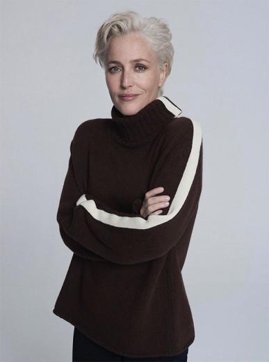 Gillian Anderson, belíssima, pra Winser London