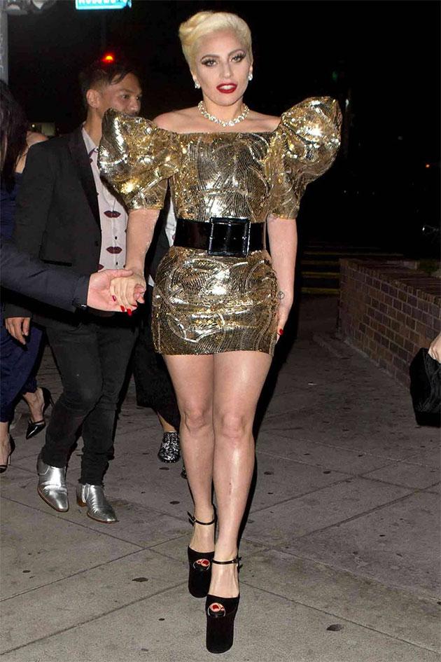 c0d53bd551aa1 BFFs  Lady Gaga é a primeira a usar Céline de Hedi Slimane - Lilian ...
