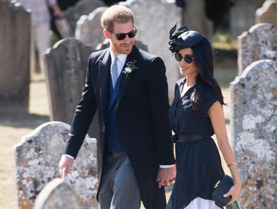 O duque e a duquesa de Sussex foram a um casamento nesse fim de semana!