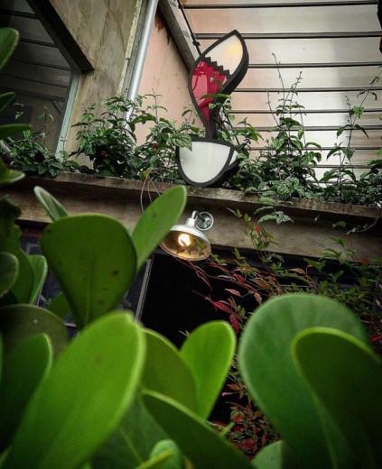 Que tal começar pelo mais premiado? O Coffee Lab de Isabela Raposeiras é tão especial que também é escola de barista, sabia? Passa lá: é na rua Fradique Coutinho, 1340