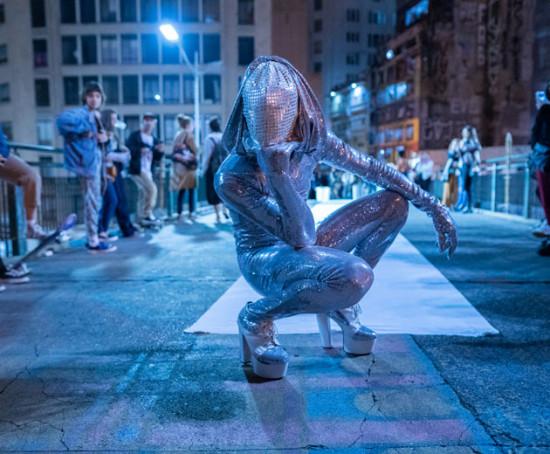 Performances poderosas na Bienal de Artes da Ouvidor 63 - clica na galeria pra ver!