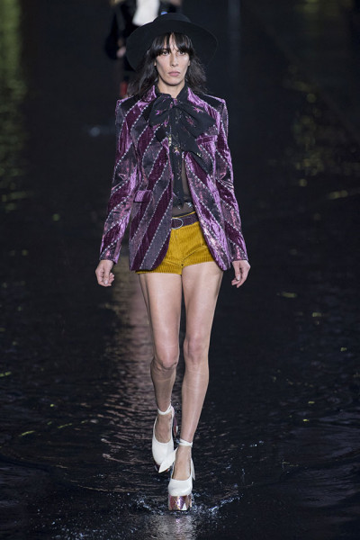 260918-saint-laurent-desfile26