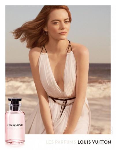 Emma Stone na campanha de divulgação do perfume da Louis Vuitton, que trás em seu aroma flor de cacau, peônia, lichia e rosa turca com notas mais apuradas de gengibre e bergamota