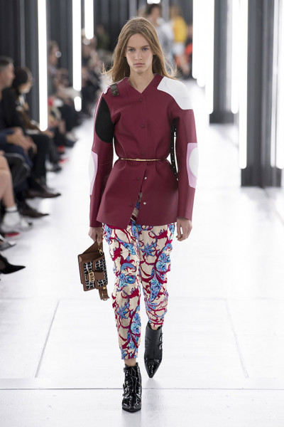 031018-louis-vuitton-desfile37