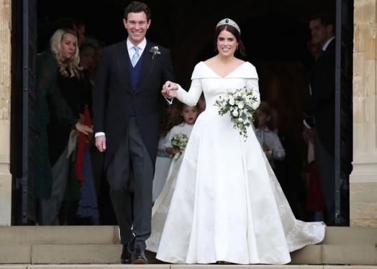 Quer saber mais detalhes sobre o vestido da princesa Eugenie e dos convidados? Então clica na galeria!